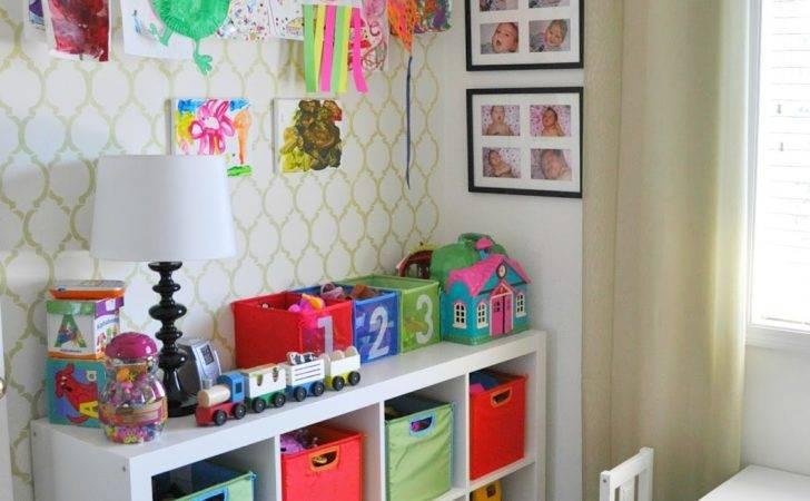 Suburbs Mama Play Room Guest