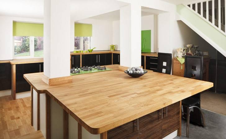 Swathe Bespoke Oak Worktops Creates Expansive Kitchen Island