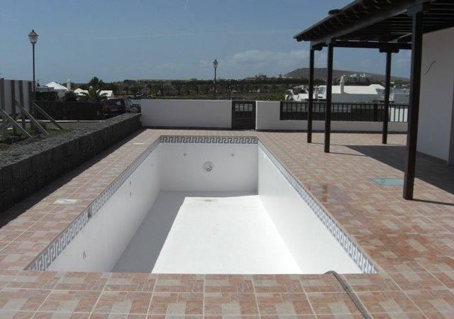 Swimming Pools Edging Tiles