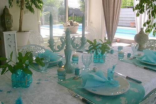 Table Decoration Flowers Feathers White Turquoise