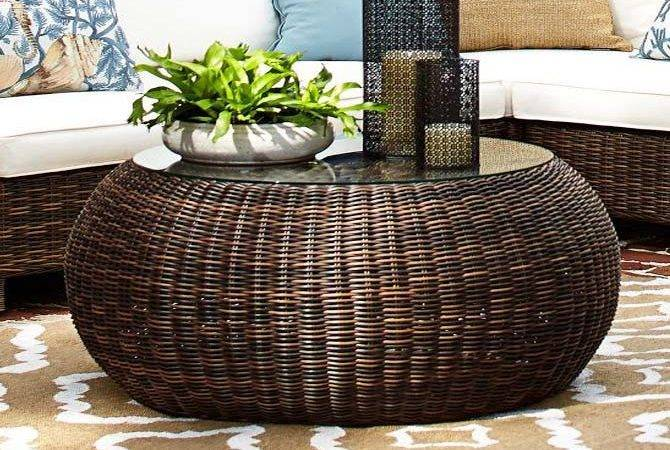 Table Pier One Wicker Coffee Round Ottoman