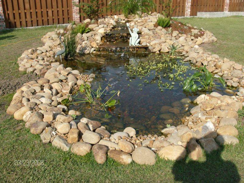 These Small Pond Ideas Make Your Yard More Beautiful