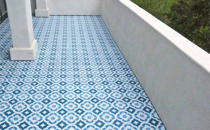 Tiles Featuring Wide Patterns Can Make Small Space Look Bigger