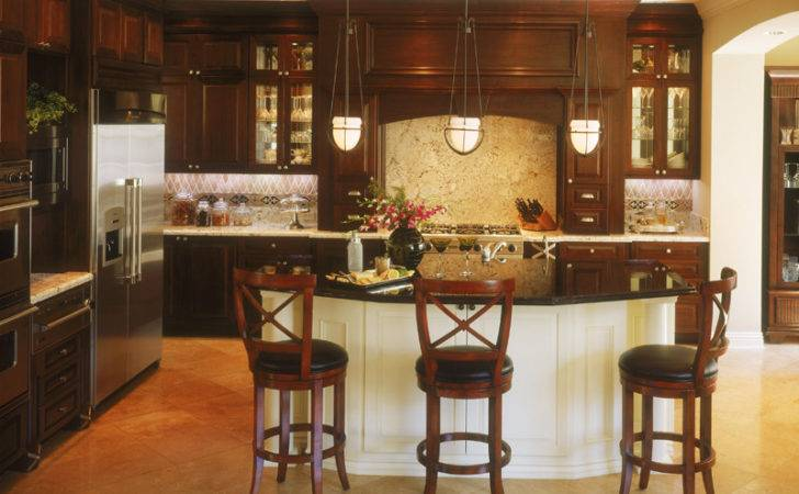 Traditional Luxury Home Kitchen
