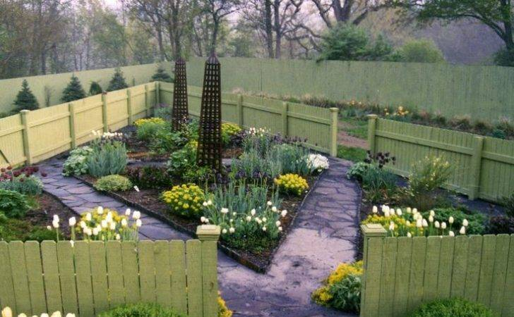 Triangle Garden Lisa George Gardens Pinterest