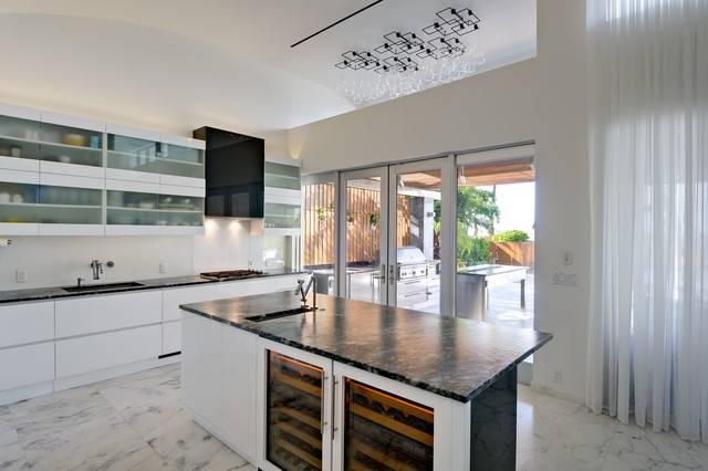 Tropical Modern Resort Home Kitchen Miami Square