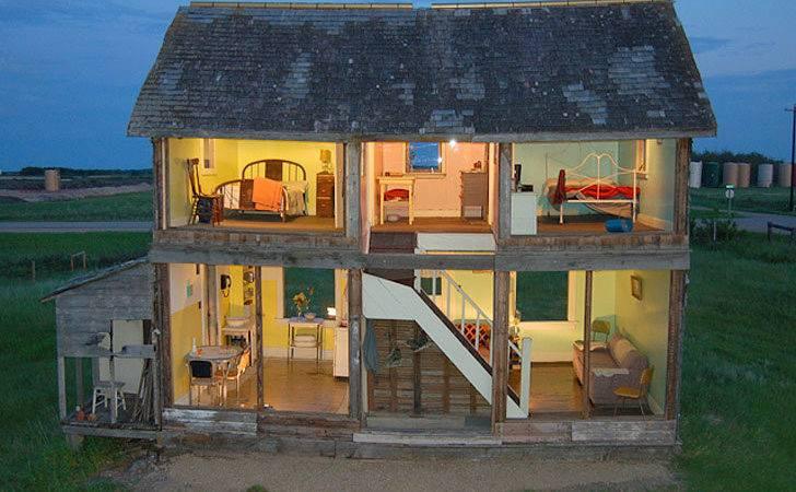 Turns Abandoned Farmhouse Into Life Sized Dollhouse Canada