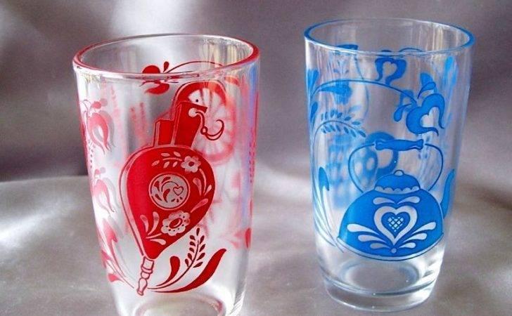 Two Swanky Swig Glasses Antique Pattern