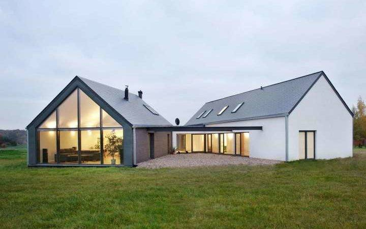 Unique Triangle Shaped Metal Home Stats