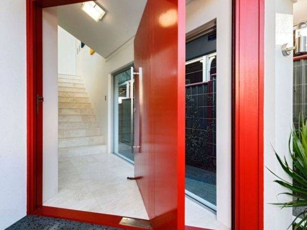 Using Accent Door Another Great Idea Red Invites