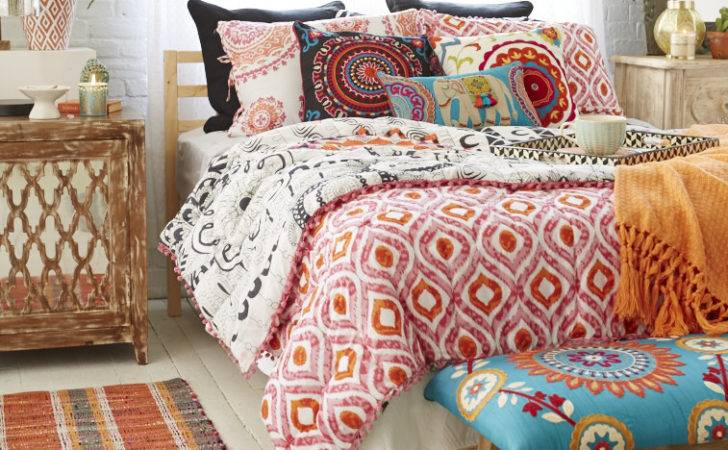 Vibrant Patterns Bedding Help Complement More Earthen Rugs