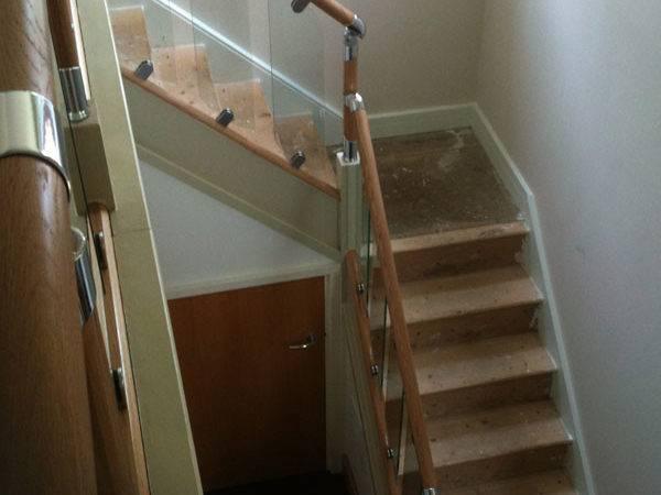 Vision Glass Balustrade System Oak Handrails Stair Banister