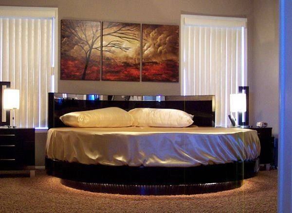 Vivacious Bedroom Flashy Circle Bed Its Center