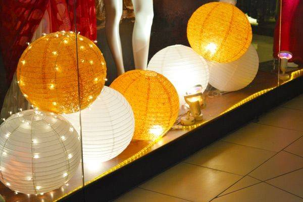 Way Produce Lighting Your Consignment Resale Shop Window