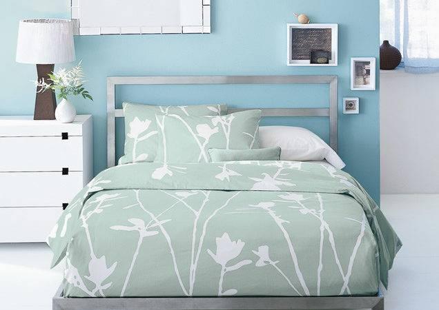 West Elm Low Metal Headboard Bed Frame Designbymilada