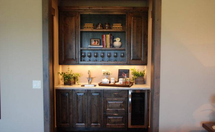Wet Bar Designs Small Spaces Outstanding Mini
