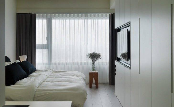 White Built Wardrobes Interior Design Ideas