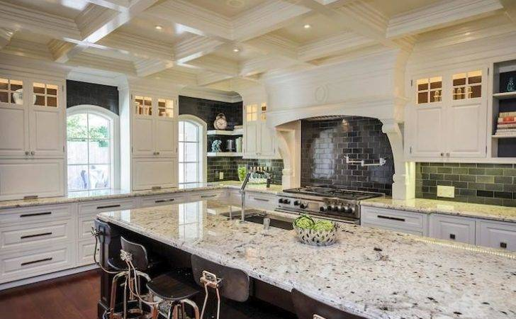 White Ice Granite High Contrast Kitchen Decoist