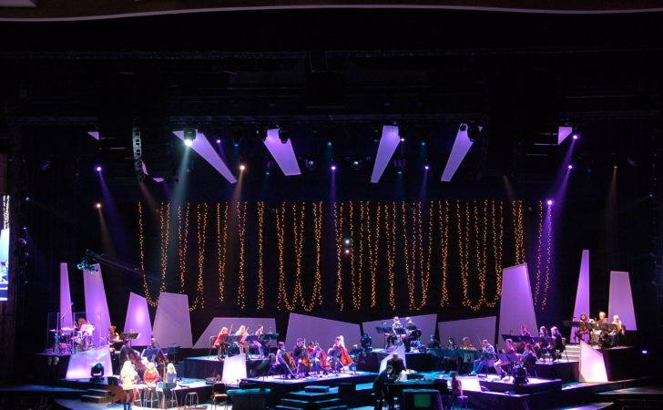 Willow Creek Christmas Stage Design Lighting