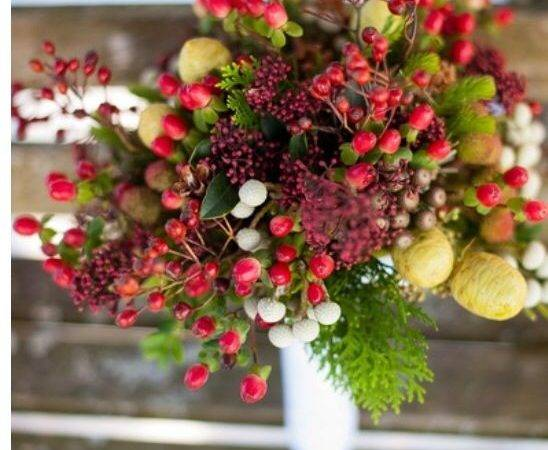 Winter Berries Unique Bouquet Floral Arrangements Boutonni Res