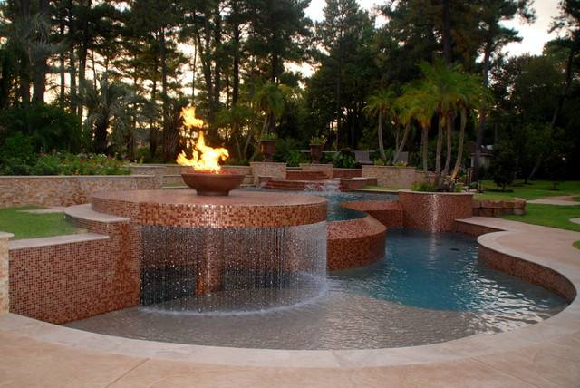 Woodlands Reverse Negative Edge Pool Contemporary