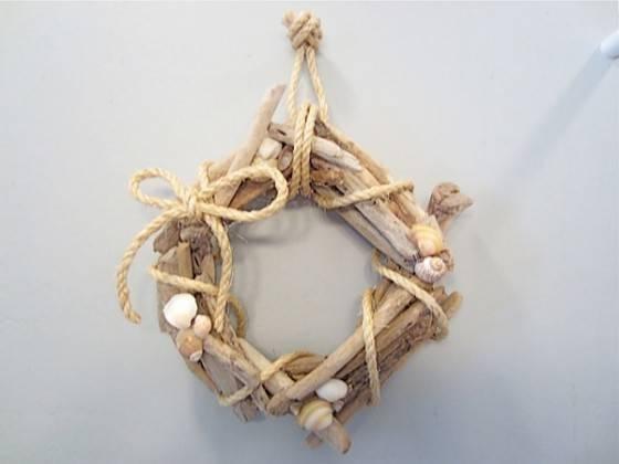 Wreath Darling Diy Driftwood Crafts Lifestyle